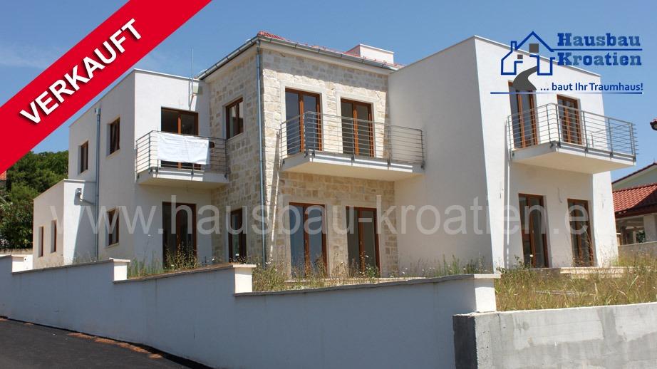 Hochwertige mediterrane Neubauten in Tribunj